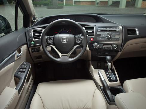 Интерьер Honda Civic 4d 2013