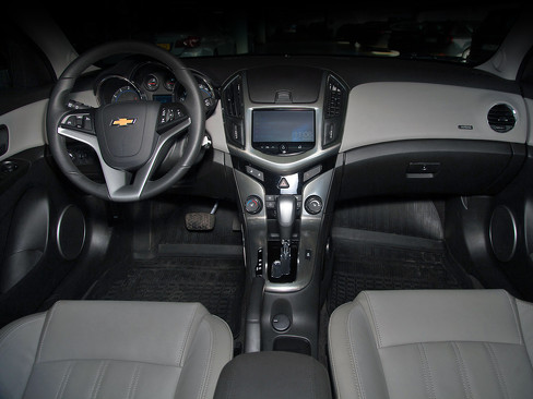Интерьер Chevrolet Cruze 1.4 Turbo 2014