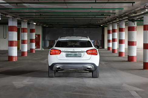 Тест-драйв Mercedes-Benz GLA 2014