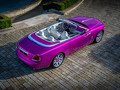 Rolls-Royce Dawn в цвете фуксия «Fux Fuxia»