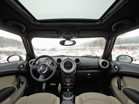 Интерьер MINI Cooper S Countryman