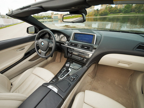 Интерьер BMW 6 Series Convertible 2011