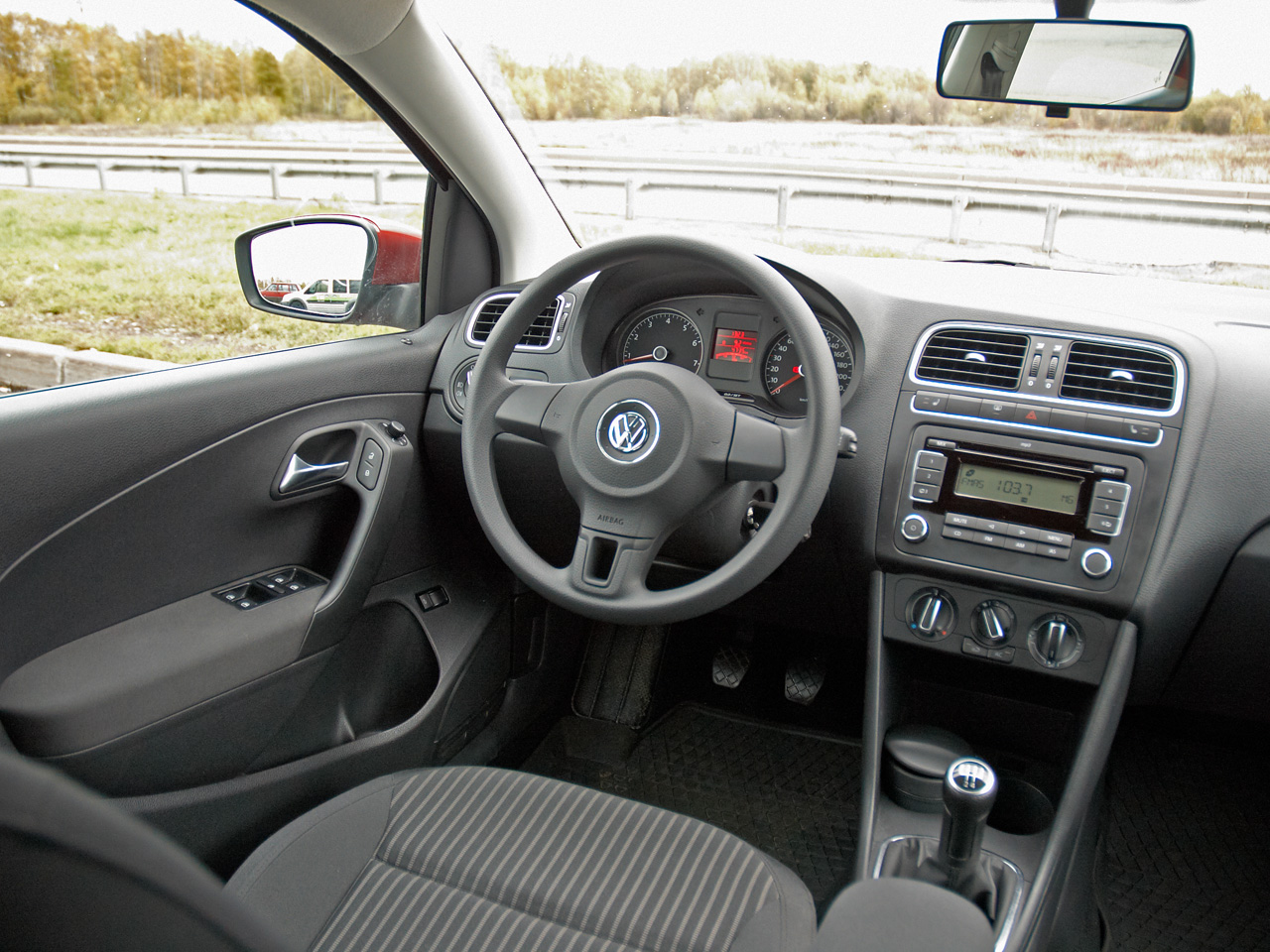 Интерьер Volkswagen Polo Sedan
